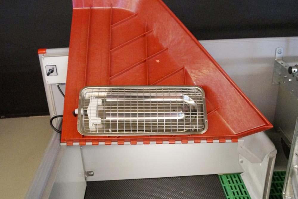 Master Heater in piglet nest